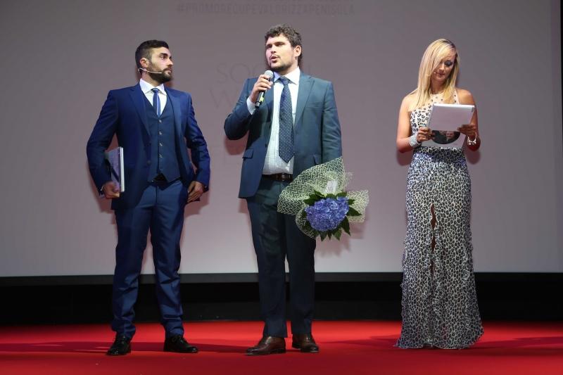 17 Yuri Napoli invita Roberta Scardola (Presentatrice SWFF) e Giuseppe Alessio Nuzzo sul palco