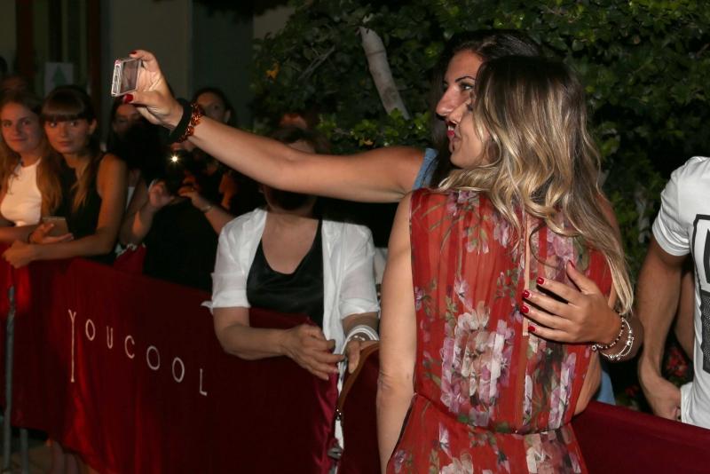 25 Selfie di Miriam Catania con i fan