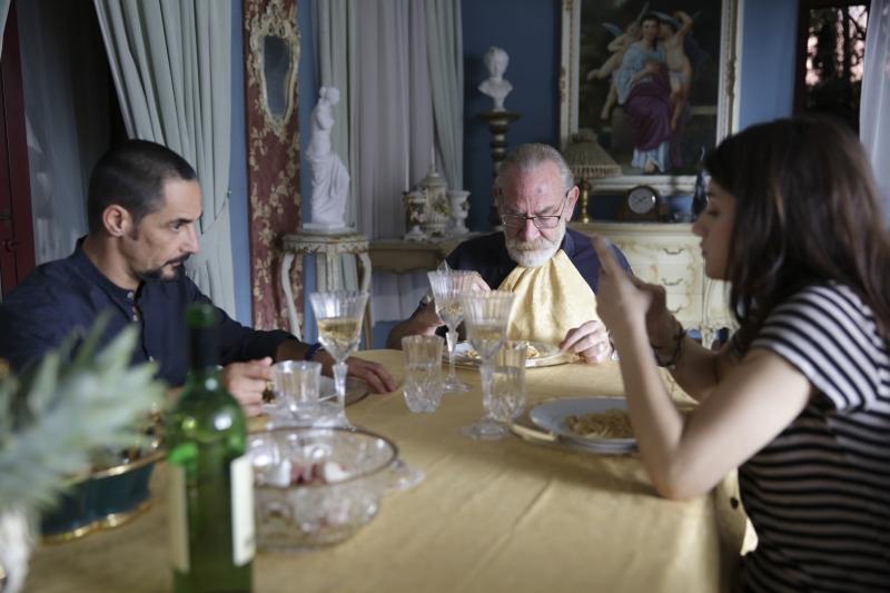 Peppino Mazzotta (Bruno Corona, Renato Carpentieri (Don Antonio Corona) e Carlotta Antonelli (Agata Corona)_DP_2083